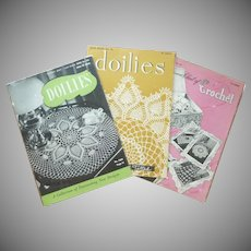 Crocheted Doilies, Bedspreads & Novelties Booklets