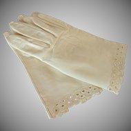Egg Shell White Kid Leather Wrist Gloves