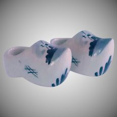 Delft Hand Painted Small Ceramic Pair of Shoes