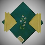 Kelly Green Linen Bucilla Tablecloth and Yellow Napkins