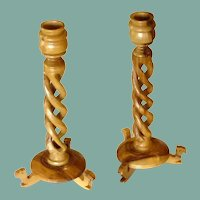 Olive Wood Hollow Twist Candle Holders with Camel Feet Base