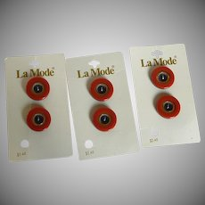 6 La Mode Red Black and Gold Tone Holland Buttons