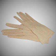 Dents Egg Shell White Kid Leather Wrist Gloves