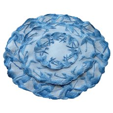 Blue Asian Theme Round Embroidery Place Mat Set