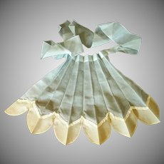 Unusual Baby Blue / Yellow Pleated 1950s Apron