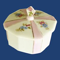 Vanity China Pink and White Flower Powder Box