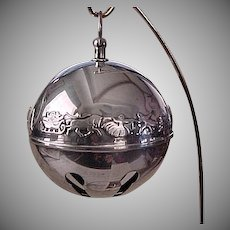 1835 / 1985 Collectable Silver Plate Winter Christmas Sleigh Bell Ornament