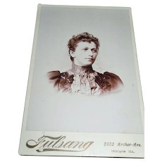 1800's Victorian Cabinet Card Photo  Beautiful Young Lady's