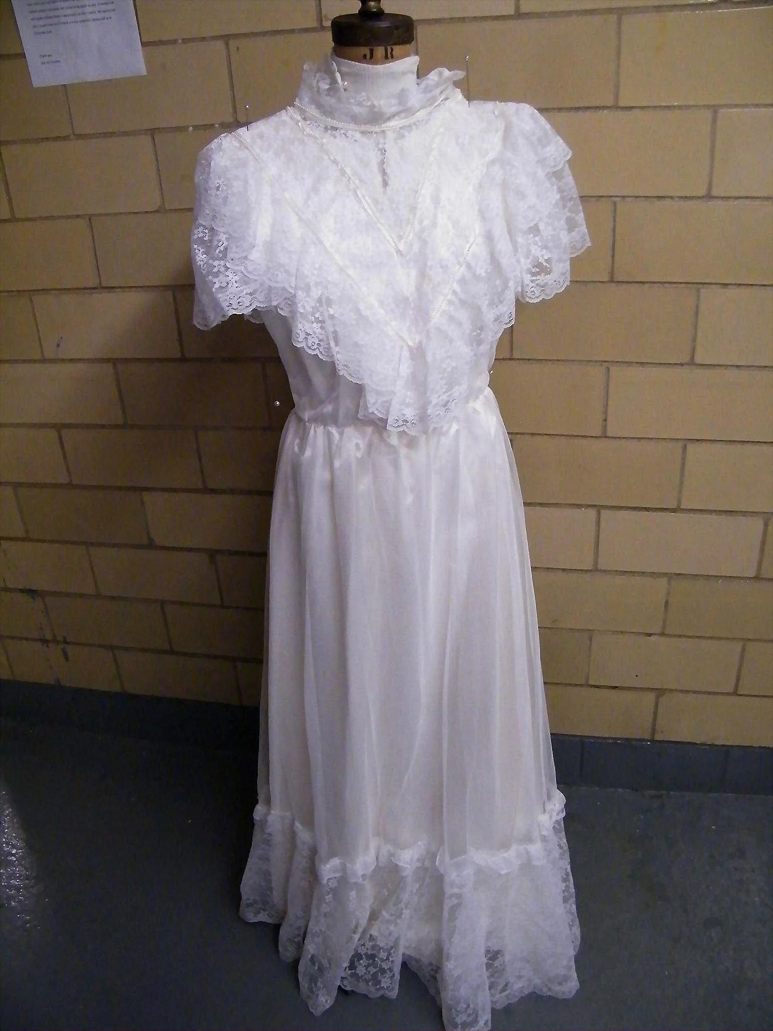 Victorian Style Bridal Dress..Lace Bodice..Short Sleeves..Net Over ...