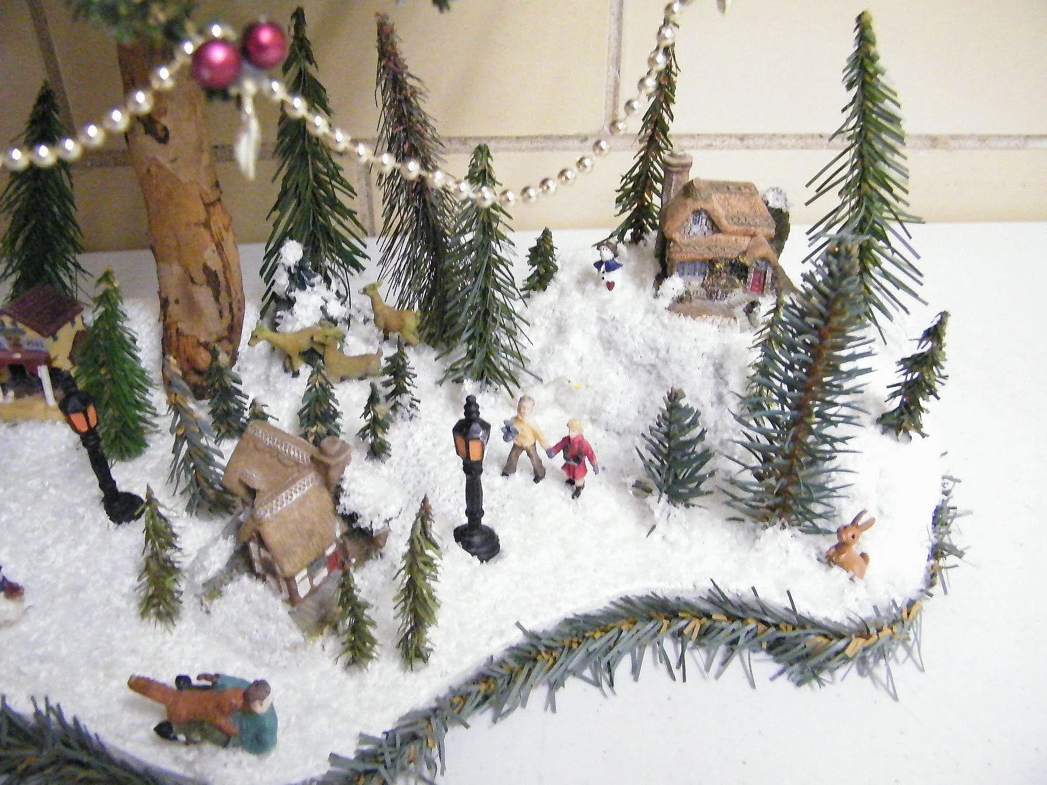 Folk Art Table Top Christmas Tree With Winter Scene At