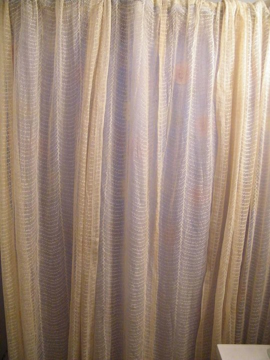 Early 20th Century Lace Curtains / Drapes..Set of 3 Panels..Ivory ...