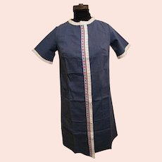 1950's..Duster..Housecoat..Loungewear..Denim Blue Polyester/Cotton Embroidered Floral  & White Pleated Trim..NOS..Size 10..USA