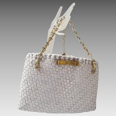 1950-60'S White Vinyl Wicker Handbag With Chain..Orbachs..1950's-60's..Excellent Condition