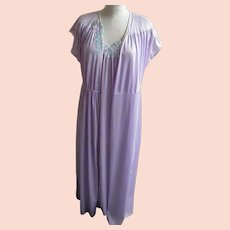 7f10998f638 Vintage Nightgown Robe Set Lavender Nylon Tricot Applique Size Small