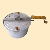 Whirley Stove Top Corn Popper..Alumium..Wood Handle..Excellent Condition