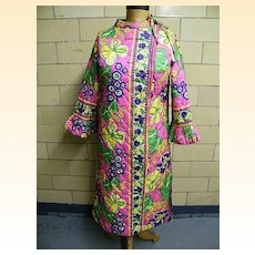 1960's..Quilted Robe Of Psychedelic Print..Junior 11 / 12..Made In USA..Excellent Condition