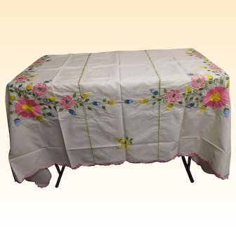 """Embroidered Floral Bedspread....Pink Scalloped Embroidered Trim...Matching Pillow Covers..Size 86"""" x 100""""...NOS"""