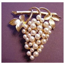 Pell Faux Pearl and Rhinestone Grapes Pin