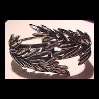 Silver tone Leaves Clamper Bracelet