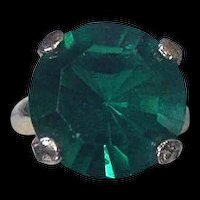 Large Round Emerald Green Rhinestone Cocktail Ring