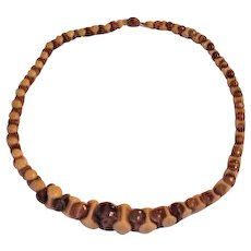 Galalith Fitted Beads Necklace