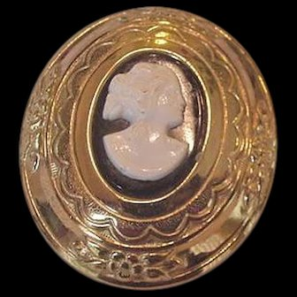 Old Coro Cameo Pin