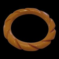 Bakelite Twisted Bangle Bracelet