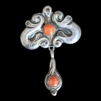 Arts and Crafts Skønvirke 830 Silver Amber Pin