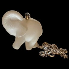 Lead Crystal Forget Me Not Elephent Pendant Necklace 1979 Original Card