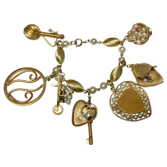 Beautiful Vintage Gold Filled Charm Bracelet with Pearls