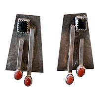 Vintage Geometric Modernist Sterling Silver Onyx Coral earrings