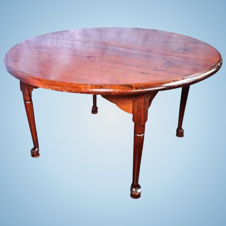 Early Antique Queen Anne Style Round Dining Table Leaves Extension - Round dining table with 2 leaves