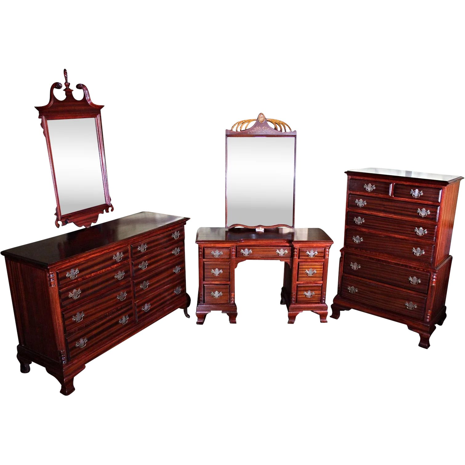 Chippendale Mahogany Bedroom Set Chest Dresser Mirror Bed Wardrobe