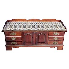 Mahogany English Style Needlepoint Seat Trunk Blanket Chest Vintage Settee Bench