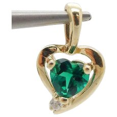 1980's Vintage Solid 10K Yellow Gold 0.45ctw Heart Cut Synthetic Green Emerald w/Diamond Heart Pendant