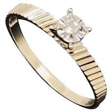 1990's Vintage 14K Yellow Gold 0.025ct H-SI Round Natural Diamond Solitaire Engagement Ring 6.5