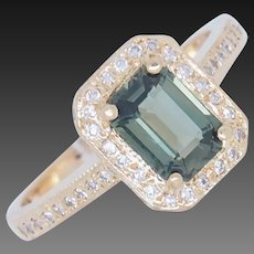 18K Yellow Gold 1.50ctw Peridot Solitaire w/F-VS Natural Diamond Accent Ring 6.5
