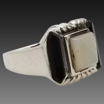 Solid Sterling Silver/925 Mother of Pearl Black Onyx Ring 7