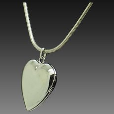 """1990's Vintage Solid Sterling Silver/925 Heart Locket Pendant Rope Chain Necklace-16"""""""