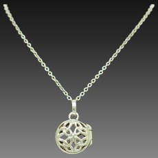 """1990's Vintage Sterling Silver/925 Round Filigree Locket Pendant Chain Necklace-18"""""""