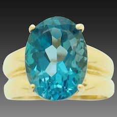 1990's Vintage 10K Yellow Gold 5.80ct Oval Cut Blue Topaz Solitaire Cocktail Ring 7
