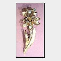 Coro Pegasus Daffodil Pin Brooch