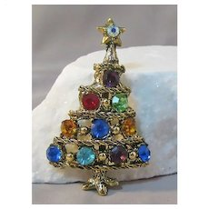Christmas Tree Pin with Extra Large Stones Goldl-tone