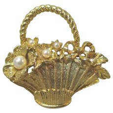 Pretty Little Basket Pin / Basket with Simulated Pearls / Vintage Basket Pin / Collectible Basket Pin