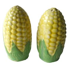 Corn Salt and Pepper Shakers / Vintage Kitchenwarer / Figural Shakers / Collectible Shakers