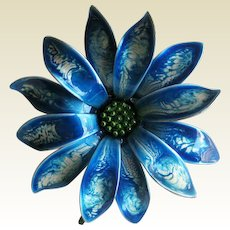 Blue Enamel Wash Flower Pin - Vintage Pin - Fashion Jewelry