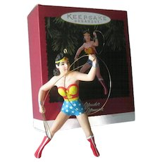 Wonder Woman 1996 Hallmark Ornament / Vintage Wonder Woman / Vintage Christmas / Christmas Decor