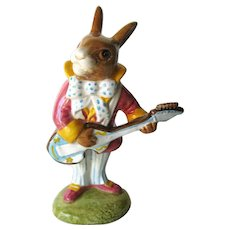 Royal Doulton Figurine Mr. Bunnybeat / Bunnykins Strumming Figurine DB16 / Porcelain Bunny Figure