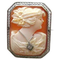GORGEOUS Shell Cameo 14 K White Gold / En Habille / Vintage Cameo