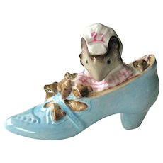 The  Old Woman Who Lived in a Shoe Figurine / Beatrix Potter / Beswick England